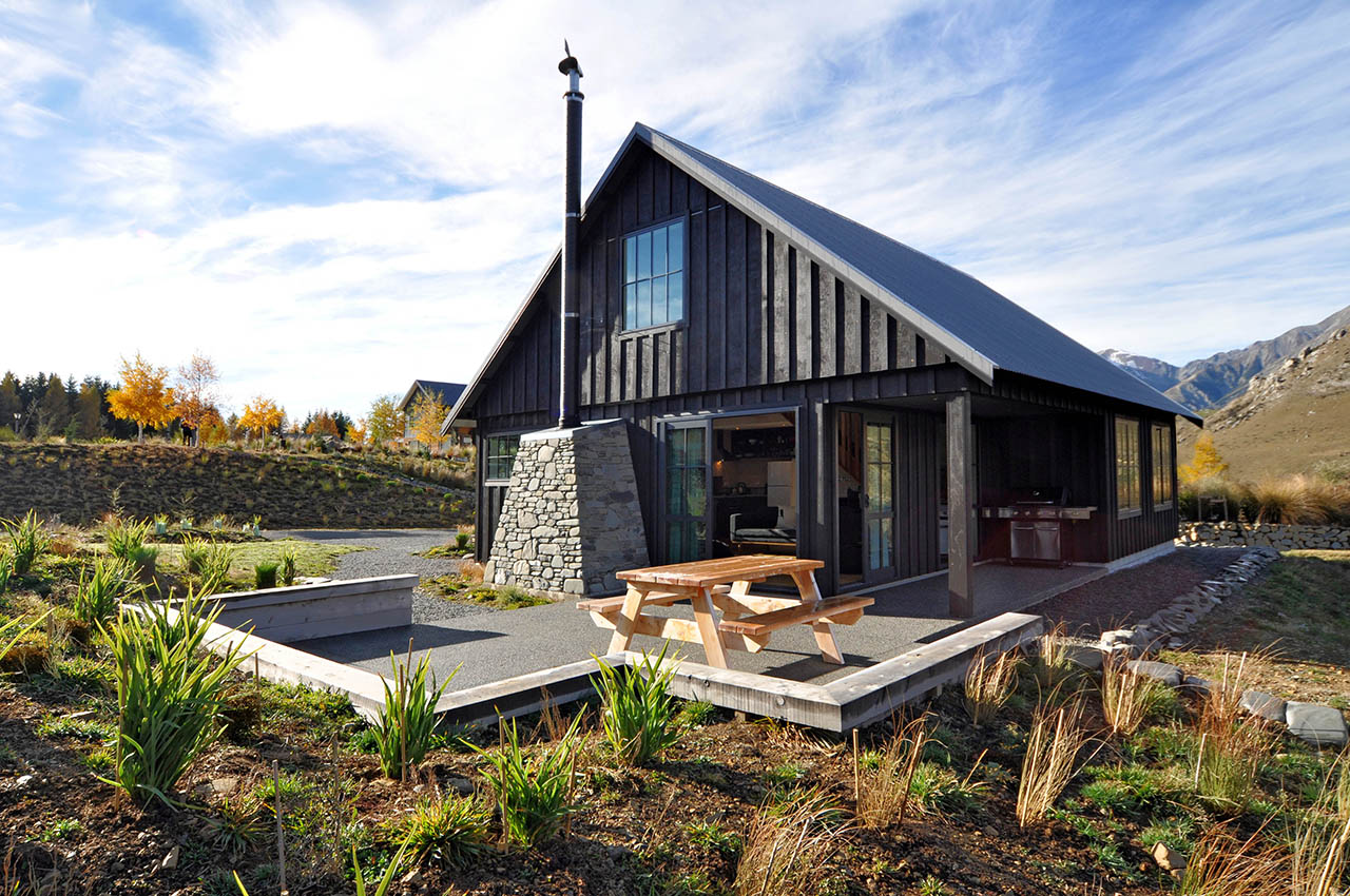 River stone hut castle hill high country homes for Modern new zealand homes